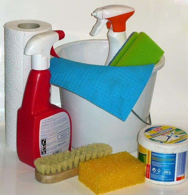 Hur städar man toaletten?
